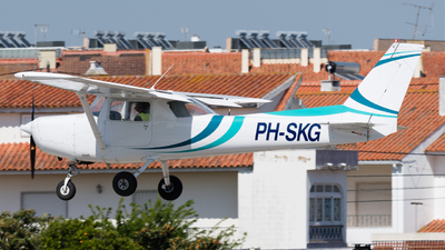 PH-SKG - Cessna 152 II - Private