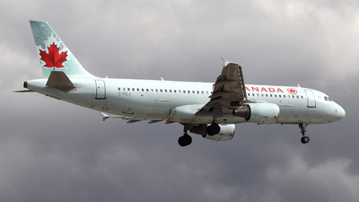 A picture of CFGJI - Airbus A320214 - Air Canada - © Guy Langlois