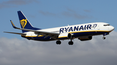 A picture of EIEKW - Boeing 7378AS - Ryanair - © Alfonso Solis