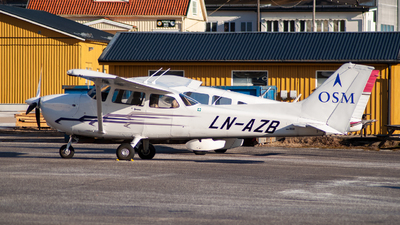 LN-AZB - Cessna 172S Skyhawk - Scandinavian Aviation Academy