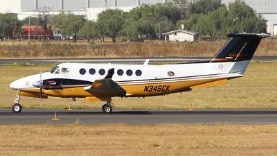 A picture of N345CK - Beech 300 Super King Air 350 - [FL18] - © Rene Bernardo Olmos Bernal