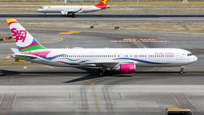 A picture of UPB6703 - Boeing 767332(ER) - [30597] - © FrankHu