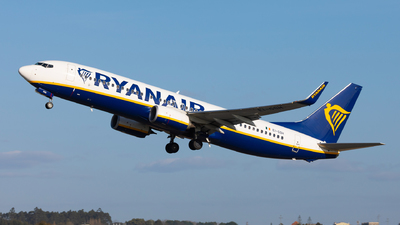 A picture of EIGSH - Boeing 7378AS - Ryanair - © Carlos Miguel Seabra