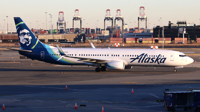 A picture of N431AS - Boeing 737990(ER) - Alaska Airlines - © Xiamen Air 849 Heavy