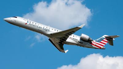 A picture of N514AE - Mitsubishi CRJ701ER - American Airlines - © Yan777