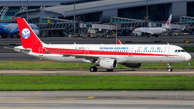 B-8658 - Airbus A321-211 - Sichuan Airlines