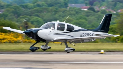A picture of N928SK - Cirrus SR22T - [0928] - © Roger Oldfield