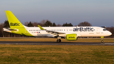 YL-AAY - Airbus A220-371 - Air Baltic