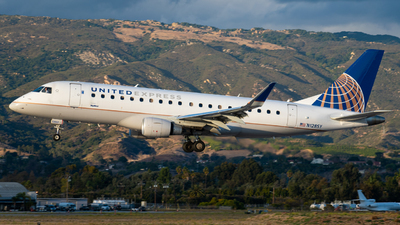 A picture of N128SY - Embraer E175LR - United Airlines - © Beck Ramsey