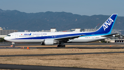 A picture of JA607A - Boeing 767381(ER) - All Nippon Airways - © Yuto Kiuchi