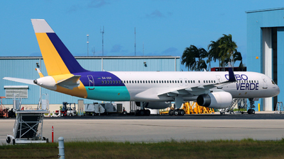 A picture of D4CCH - Boeing 757256 - Cabo Verde Airlines - © Racso_Smet