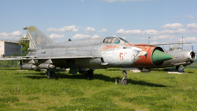 8905 - Mikoyan-Gurevich Mig-21 Fishbed - Poland - Navy
