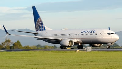 A picture of N76514 - Boeing 737824 - United Airlines - © RAFAEL FERNANDEZ ABARCA