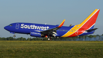 A picture of N447WN - Boeing 7377H4 - Southwest Airlines - © DJ Reed - OPShots Photo Team