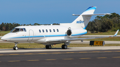 A picture of N69FR - Hawker 900XP - [HA0106] - © Gary Guy