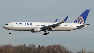 A picture of N655UA - Boeing 767322(ER) - United Airlines - © Jan Seler