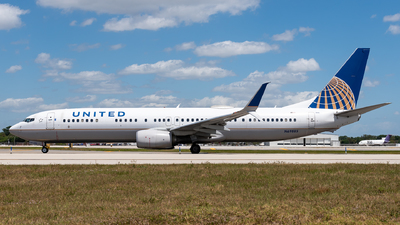A picture of N69885 - Boeing 737924(ER) - United Airlines - © Evan Dougherty