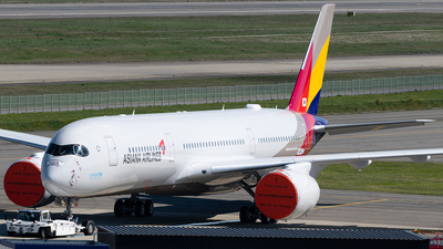 F-WZNT - Airbus A350-941 - Asiana Airlines