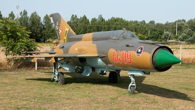 4409 - Mikoyan-Gurevich MiG-21MF Fishbed J - Hungary - Air Force