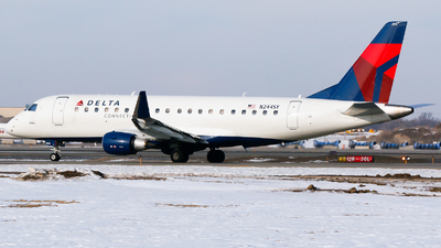 A picture of N244SY - Embraer E175LR - Delta Air Lines - © Alec Mollenhauer