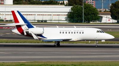 231 - Dassault Falcon 2000LX - France - Air Force