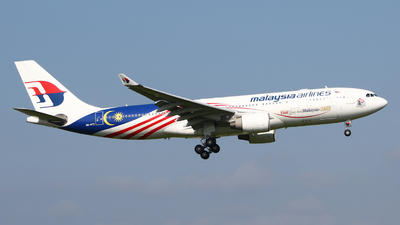 A picture of 9MMTX - Airbus A330223 - Malaysia Airlines - © Mark de Bruijn