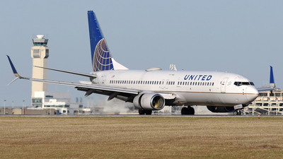 N37298 - Boeing 737-824 - United Airlines