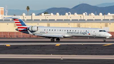 A picture of N754SK - Mitsubishi CRJ701ER - American Airlines - © Oscar Wistrand