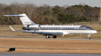 N228SS - Bombardier BD-700-1A10 Global Express - Private