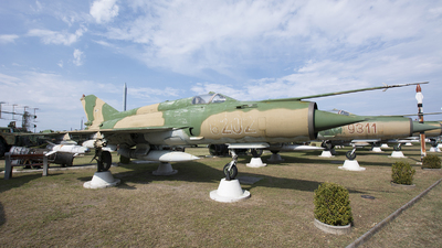 8202 - Mikoyan-Gurevich MiG-21MF Fishbed J - Hungary - Air Force