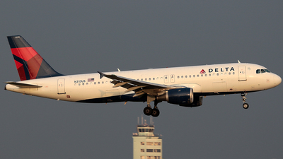 N313US - Airbus A320-211 - Delta Air Lines