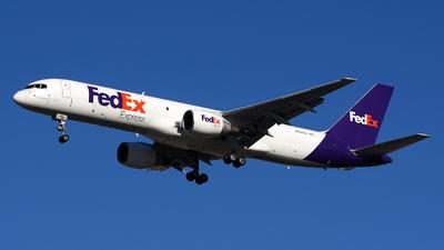A picture of N791FD - Boeing 757222(SF) - FedEx - ©  JC
