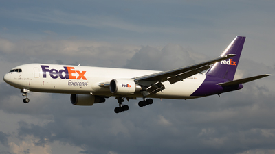 N152FE - Boeing 767-3S2F(ER) - FedEx