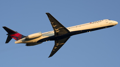 N957DL - McDonnell Douglas MD-88 - Delta Air Lines