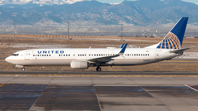 A picture of N68843 - Boeing 737924(ER) - United Airlines - © CJMoeser