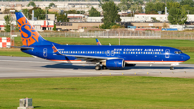A picture of N824SY - Boeing 73785P - Sun Country Airlines - © MingyaoLeonardo