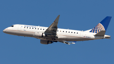 A picture of N138SY - Embraer E175LR - United Airlines - © William Vignes