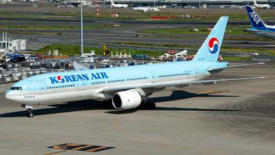 A picture of HL7764 - Boeing 7772B5(ER) - Korean Air - © OCFLT_OMGcat