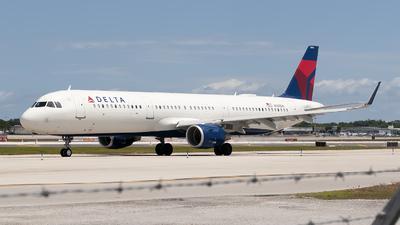 N398DN - Airbus A321-211 - Delta Air Lines