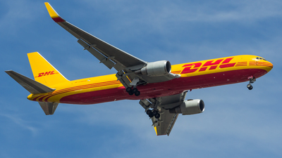 A picture of HP3310DAE - Boeing 767304(ER)(BCF) - DHL - © Solano Jorge R.