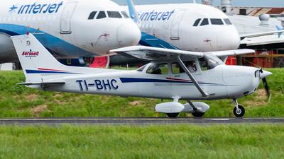 TI-BHC - Cessna 172S Skyhawk SP II - Aerobell Flight School