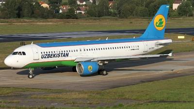 UK-32017 - Airbus A320-214 - Uzbekistan Airways