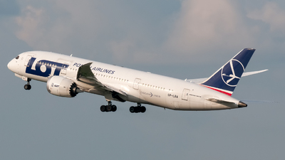 SP-LRA - Boeing 787-8 Dreamliner - LOT Polish Airlines