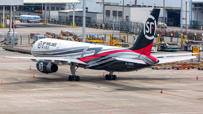 A picture of B2826 - Boeing 7572Y0(PCF) - SF Airlines - © Henry Chan