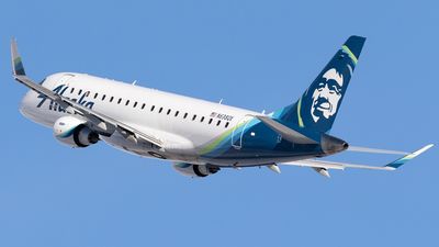 A picture of N638QX - Embraer E175LR - Alaska Airlines - © Mike MacKinnon