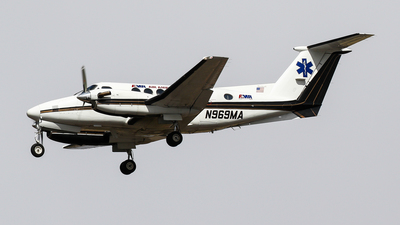 N969MA - Beechcraft B200 Super King Air - Private