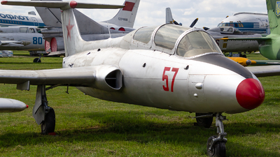 57 - Aero L-29 Delfin - Soviet Union - Air Force