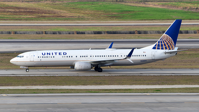 A picture of N68891 - Boeing 737924(ER) - United Airlines - © Rocky Wang
