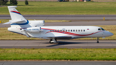 RA-09009 - Dassault Falcon 7X - Rossiya - Special Flight Squadron