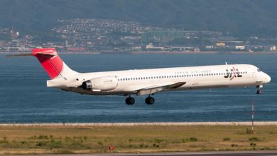JA002D - McDonnell Douglas MD-90-30 - Japan Airlines (JAL)